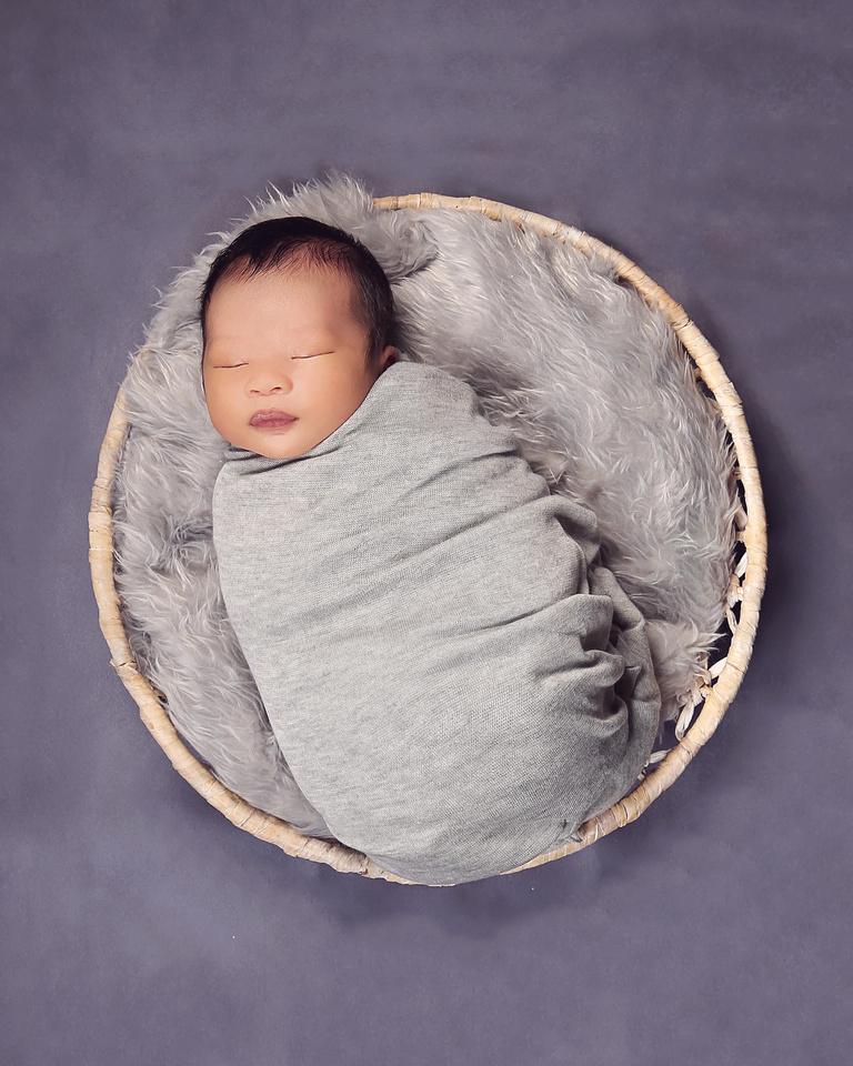 Annandale Virginia Newborn Photographer